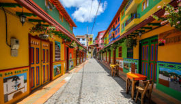 Colores infinitos hacen parte de Guatapé